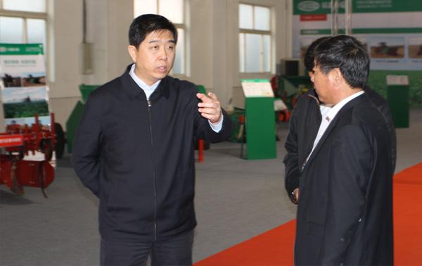 原乐陵市市长鄂宏达来我公司视察指导