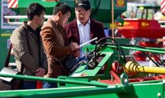 希森天成携全系列马铃薯机械亮相内蒙古农牧业